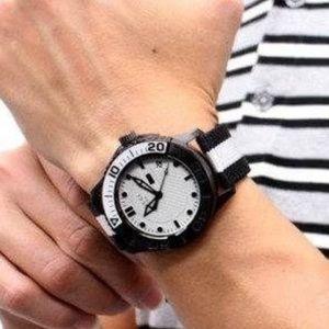 Gucci Men's 126.2  G-Timeless Nylon Strap Watch